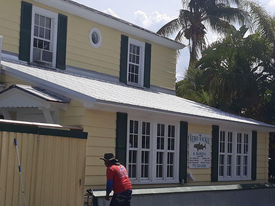 Vero Beach Marina – New Metal Roof just in time!